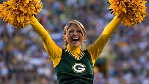 Green_Bay_Packers_Cheerleader_4