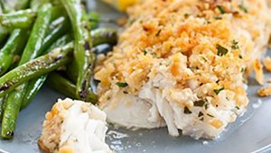 baked-haddock-with-garlic-green-beans